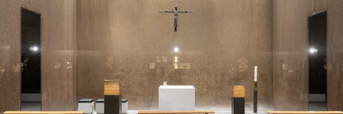 Gottesdienstraum Kolumbarium Grabeskirche Köln St. Bartholomäus Kirchenumnutzung Kirchenarchitektur
