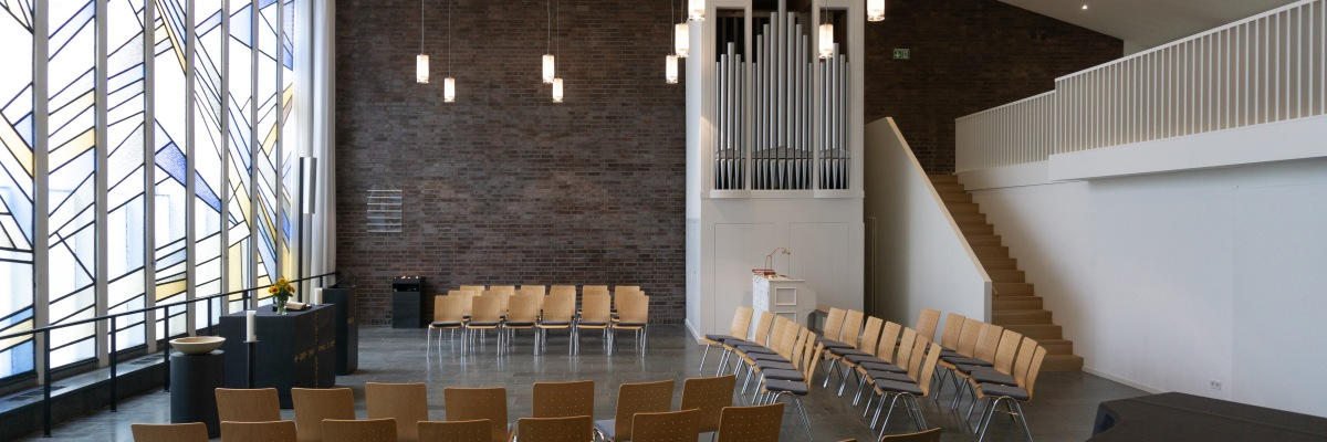 Gottesdienstraum Epiphaniaskirche Köln Kirchensanierung Kirchenarchitektur