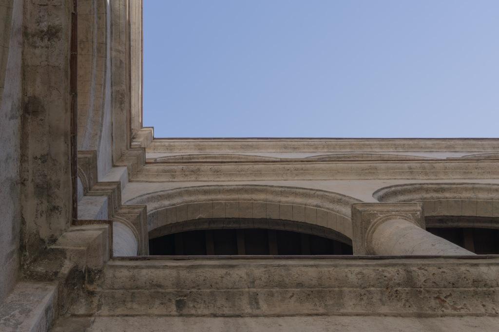 Umnutzung Franz von Assisi Basilika und Kloster zu Museum Fassade Innenhof