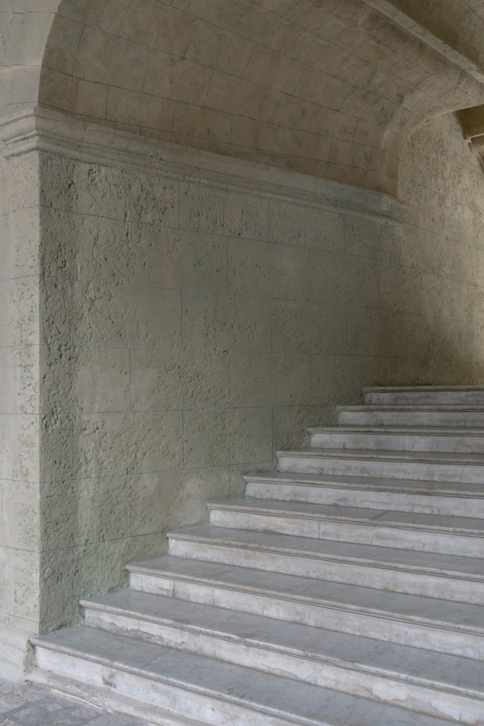 Umnutzung Franz von Assisi Basilika und Kloster zu Museum Treppe Innenhof