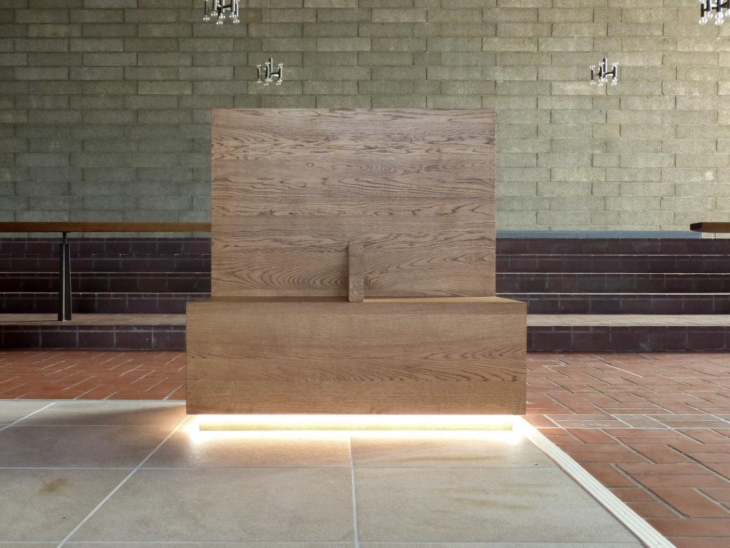 Franziskuskolumbarium Wesel Sitzbank Kirchenumnutzung