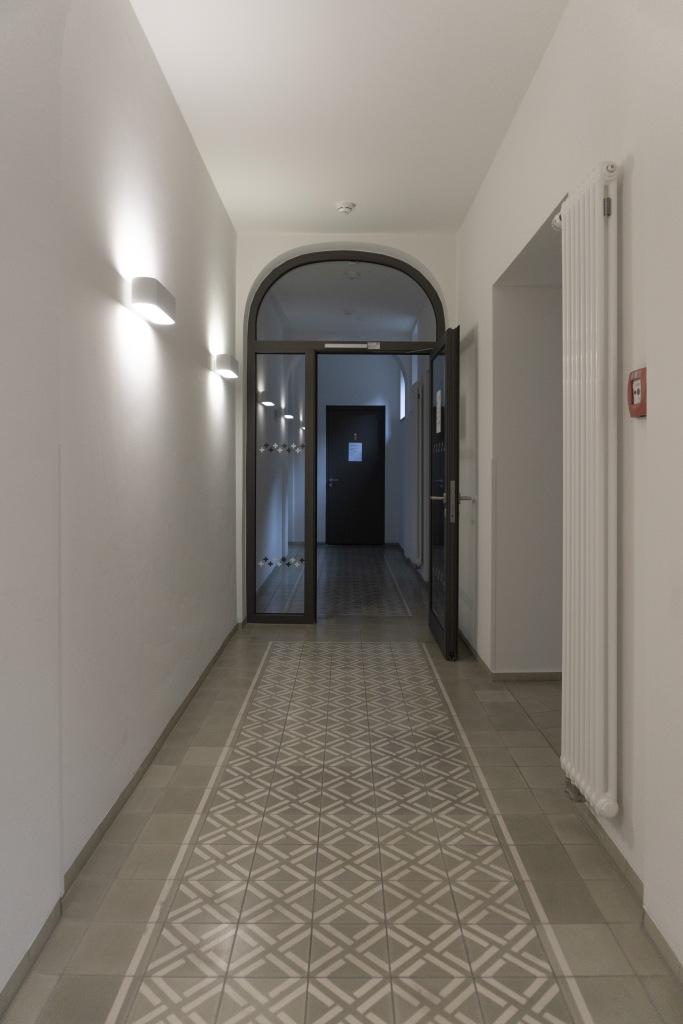 Klarissenkloster Köln Kirchenumnutzung historische Fliesen Beleuchtung