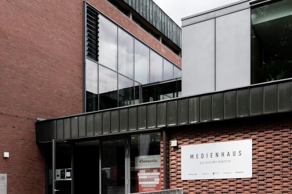 Kirchenumnutzung St. Bonifatius Münster Verlagshaus Pfarrhaus
