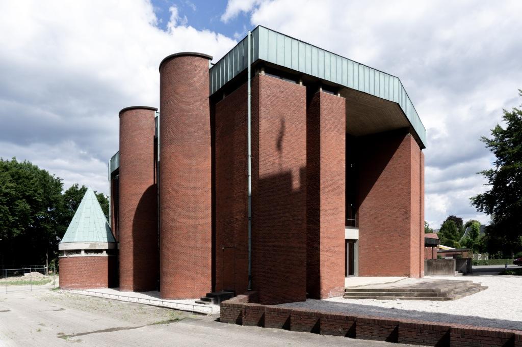 Kirchenumnutzung St. Bonifatius Münster Verlagshaus Backsteinkirche Nachkriegszeit